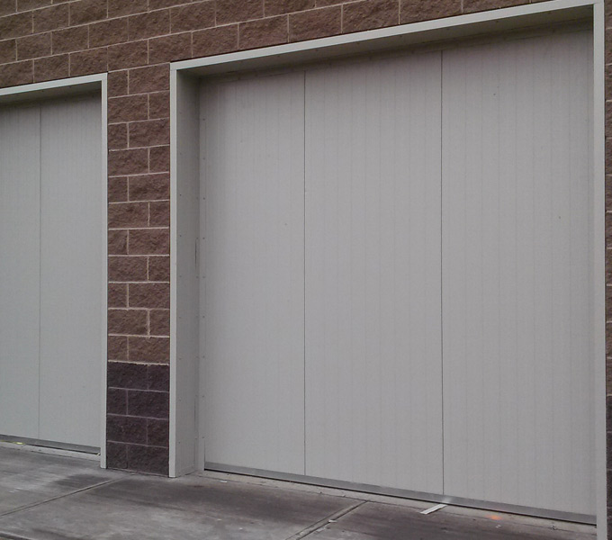 Walk In Cooler Panels >> Insulated Cold Storage Doors